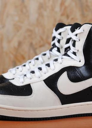 Desconfianza Penetrar Preescolar  Белые высокие кроссовки nike air afi-light, 38 размер. оригинал Nike, цена  - 500 грн, #38949016, купить по доступной цене | Украина - Шафа