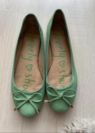 Зелёные балетки с бантиком
