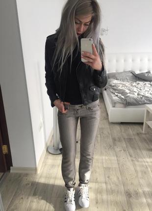Модные стеклянные джинсы