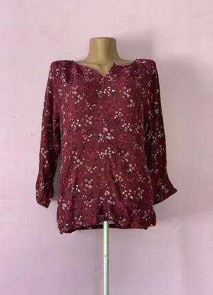 Стильная блуза цвет марсала цветочный принт жатая ткань