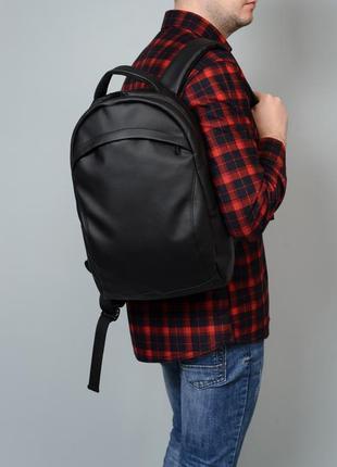 Чоловічий великий чорний рюкзак для спортзалу