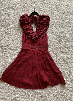 Нарядное фирменное платье