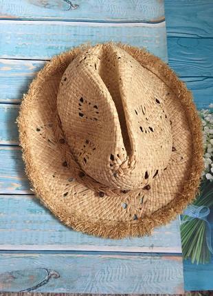 Шляпа ковбойская соломенная.