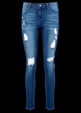 Джинсы джинси з рваностями boohoo