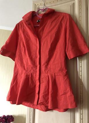 Эффектная коралловая блузка рубаха рубашка с баской,3 фото