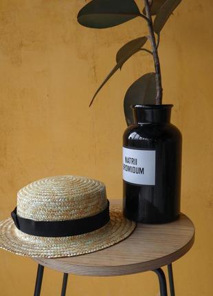 Шляпа канотье с черной лентой в наличии