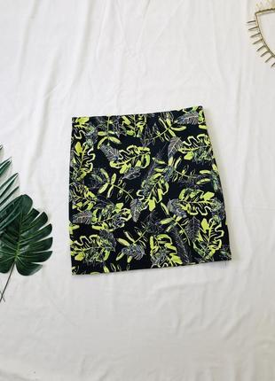 Мини юбка в тропический принт