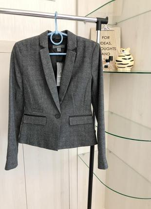 Новый приталенный серо-черный пиджак в клетку от atmosphere жакет