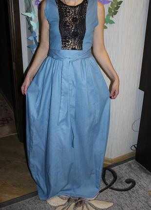 Шикарное джинсовое длинное платье