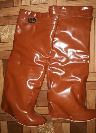 Сапоги рыжие коричневые интересные