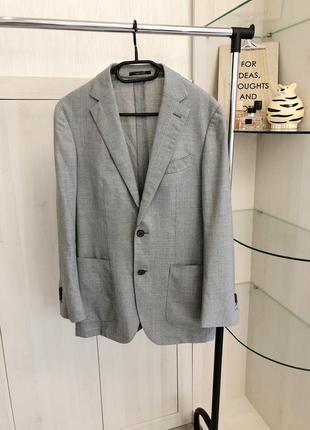 Удлиненный серый пиджак свободного кроя