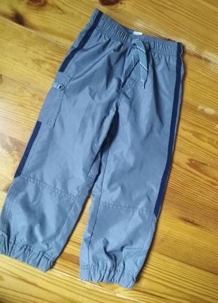 Спортивные штанишки на хлопковой подкладке 4т 98-105 oshkosh