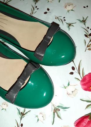 🎁1+1=3 стильные зеленые лаковые туфли балетки limited collection, размер 403 фото
