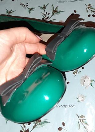 🎁1+1=3 стильные зеленые лаковые туфли балетки limited collection, размер 407 фото