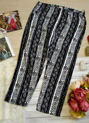 Легкие вискозные брюки с принтом размер 22-24 (52-56)