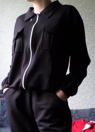 Новый черный спортивный костюм