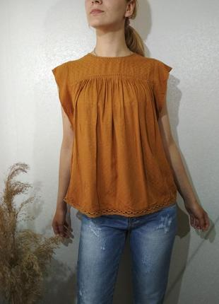 Горчичная блуза с набивным горохом футболка3 фото