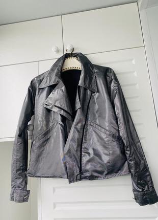 Куртка-ветровка городская серебряная лёгкая  на молнии