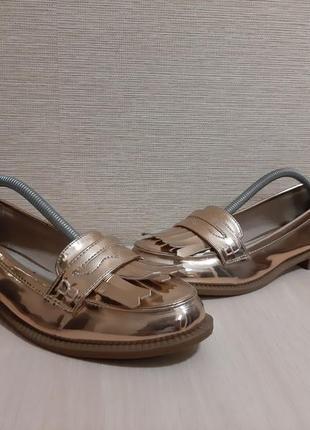 Золотистые лофери,балетки,туфли с бахромой