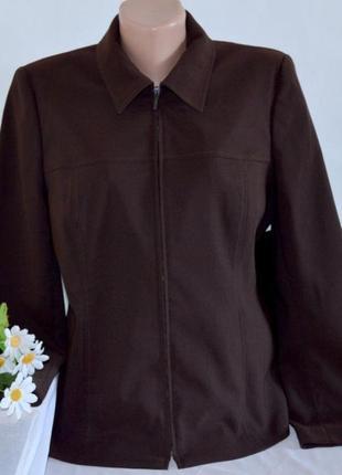 Брендовая темно-коричневая куртка жакет на молнии с карманами opus