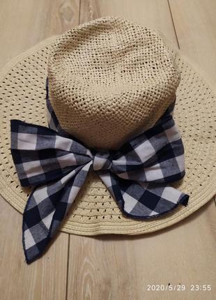 Новая соломенная шляпа со стильной лентой