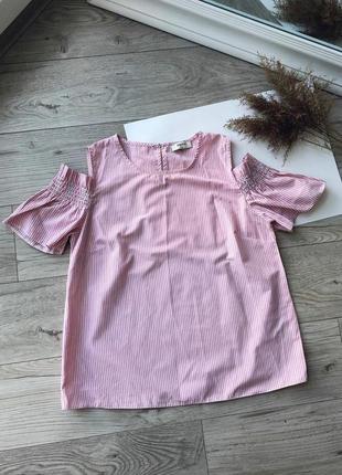 Стильнач блуза с рюшами / с открытыми плечами sale