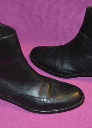 Стильные кожаные ботинки броги