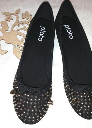 Лёгенькие мягенькие и очень удобные черные текстильные балетки 38 размера на 24 см.