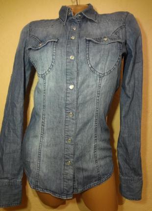 Классная джинсовая рубашка we размер xs s