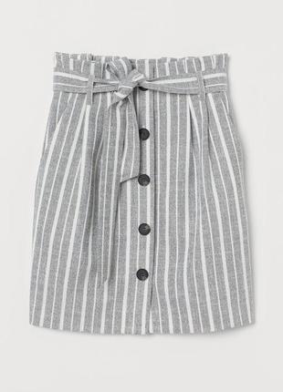 Актуальная  полосатая юбка с высокой талией и поясом