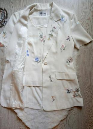Белый комплект длинный пиджак жилет с блузой цветочная вышивка цветная блейзер рукавами
