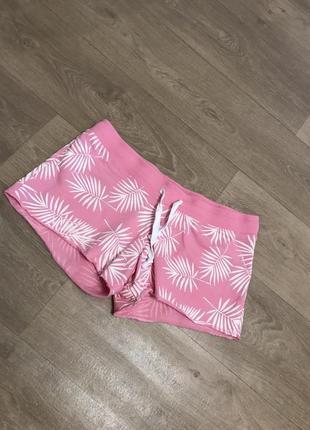Короткие розовые шорты с нежным рисунком xl