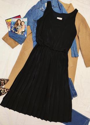 Plus платье чёрное миди длинное плиссе плиссерованное большое батальное с отливом