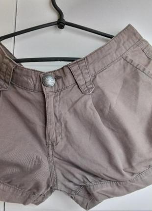 Короткие ,стильные,летние, сексуальные шорты из натуральной ткани,размер м.