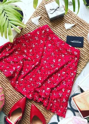 Летняя красная юбка в цветочеplt