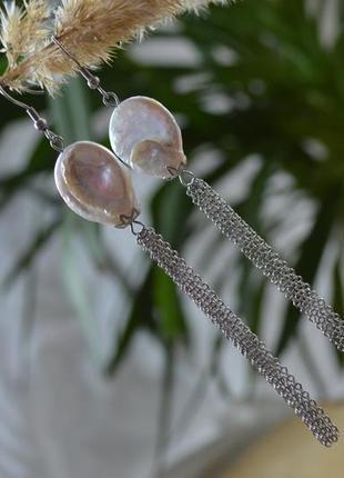 Серьги - цепочки серебристые с барочным жемчугом ′′лунный свет′