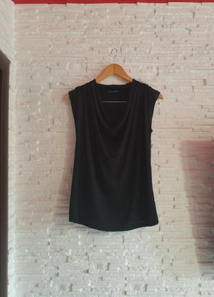 Красивая черная футболка с драпировкой екоткань zara