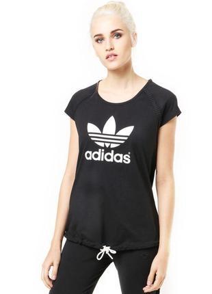 Adidas originals базовая черная футболка с фирменными деталями