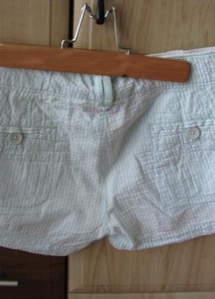 Легкие короткие шорты