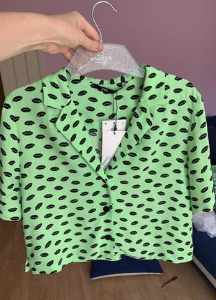 Новая рубашка с принтом губы zara