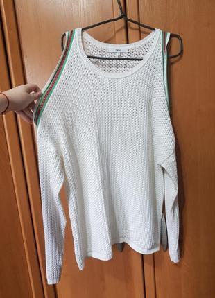 """Стильная белая кофточка, кофта с открытимы плечами, свитер, свитерок, """"лампасы"""" на рукавах"""