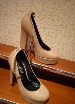 Туфлі 350 грн