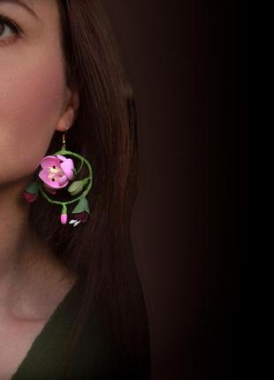 """Серьги кольца ручной работы с цветами """"тюльпаны"""""""