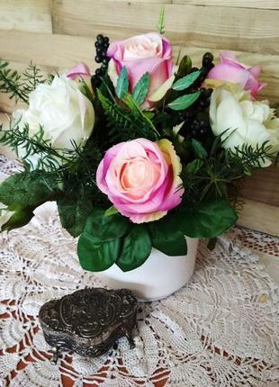 Кашпо с цветами, розы, декор для дома, в офис.