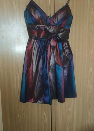 Платье куколка с декольте