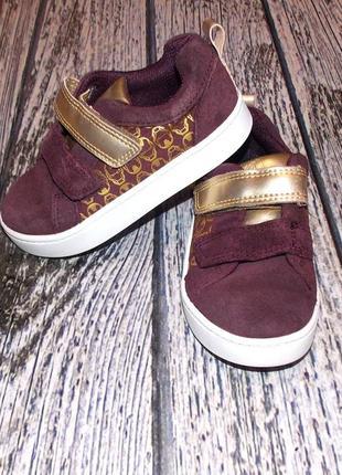 Замшевые кроссовки clarks для девочки , размер 7g