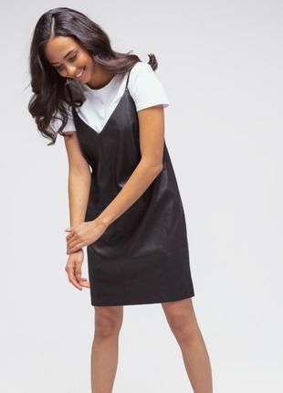 Платье  из еко кожы черное на брытелях katarina ivanenko