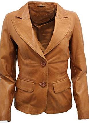 Бежевый светлый коричневый кожаный пиджак жакет с воротником карманами пуговицами