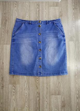 Стильная джинсовая юбка на пуговицах, р. 20.