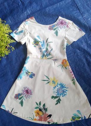 Бомбезное натуральное платье с открытой спиной бренда zara uk 9 eur 134